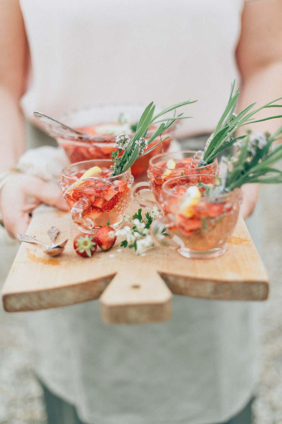 Erdbeer Bowle für Midsommar Fest