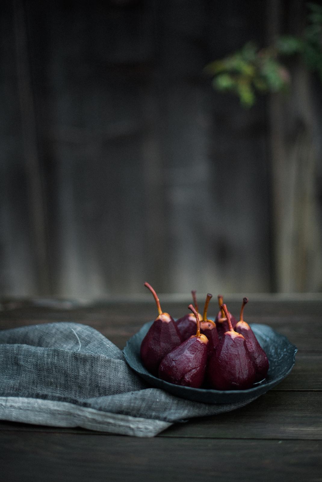 schokolade rotwein kuchen mit herrlich duftenden rotwein birnen silvia fischer silvia fischer. Black Bedroom Furniture Sets. Home Design Ideas