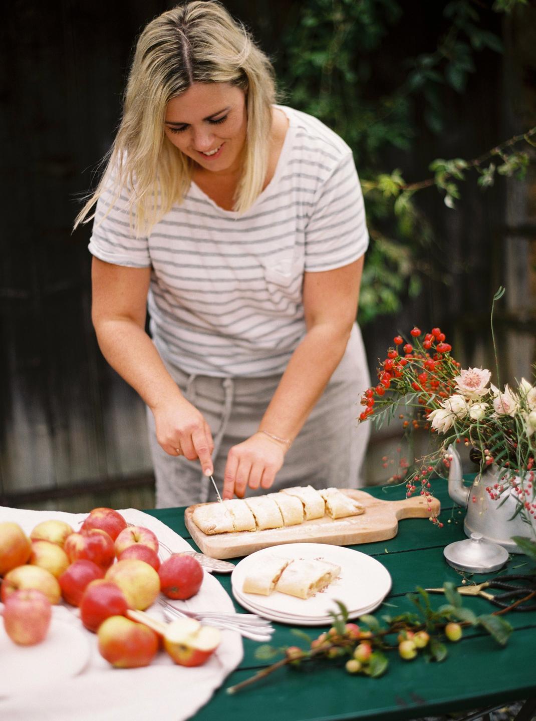 Silvia Fischer. Echte Kuchenliebe. Apfelschlangerl Rezept Foodblog & Backbuch