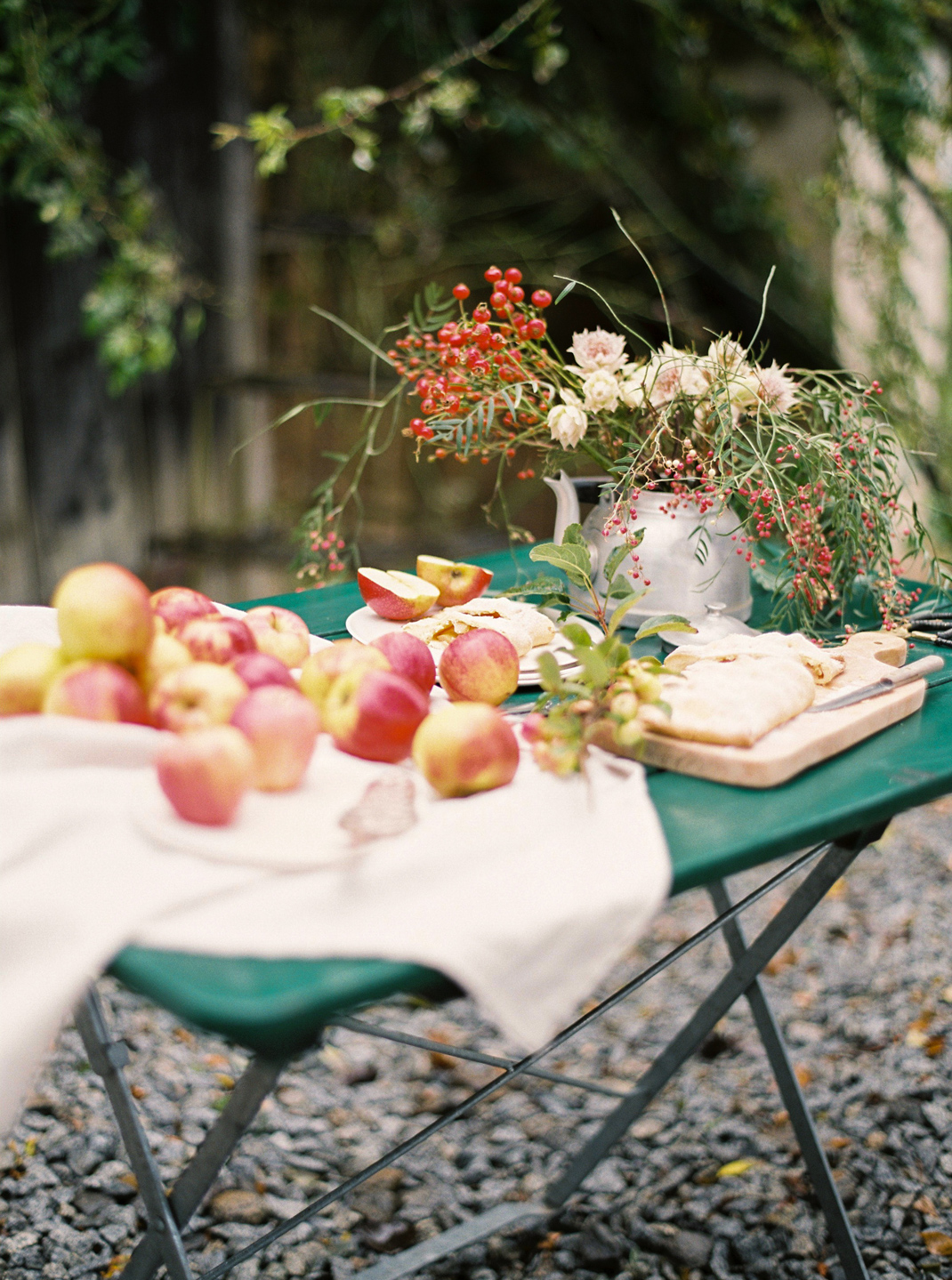 Silvia Fischer. Echte Kuchenliebe. Apfelschlangerl Rezept aus Buch