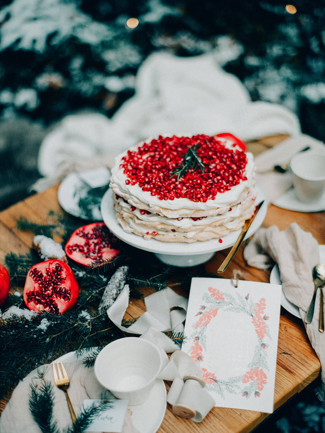 Baiser mit Granatapfel, Baiser Torte, Rezept von Silvia Fischer. Echte Kuchenliebe