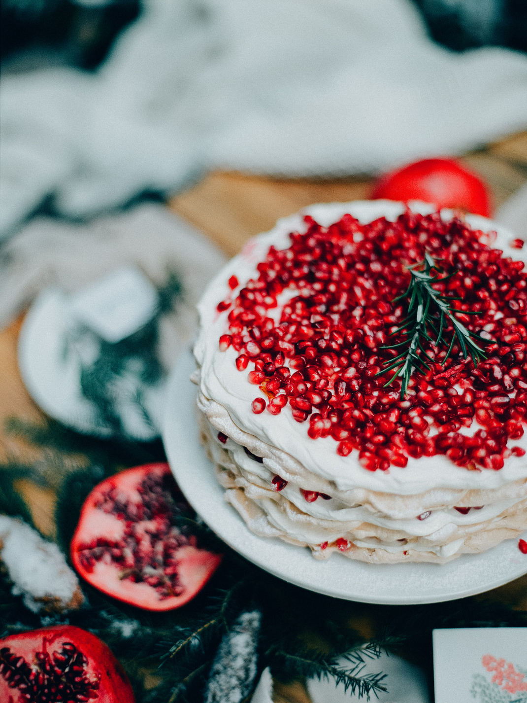 Granatapfel Pavlova Torte, Rezept von Silvia Fischer. Echte Kuchenliebe