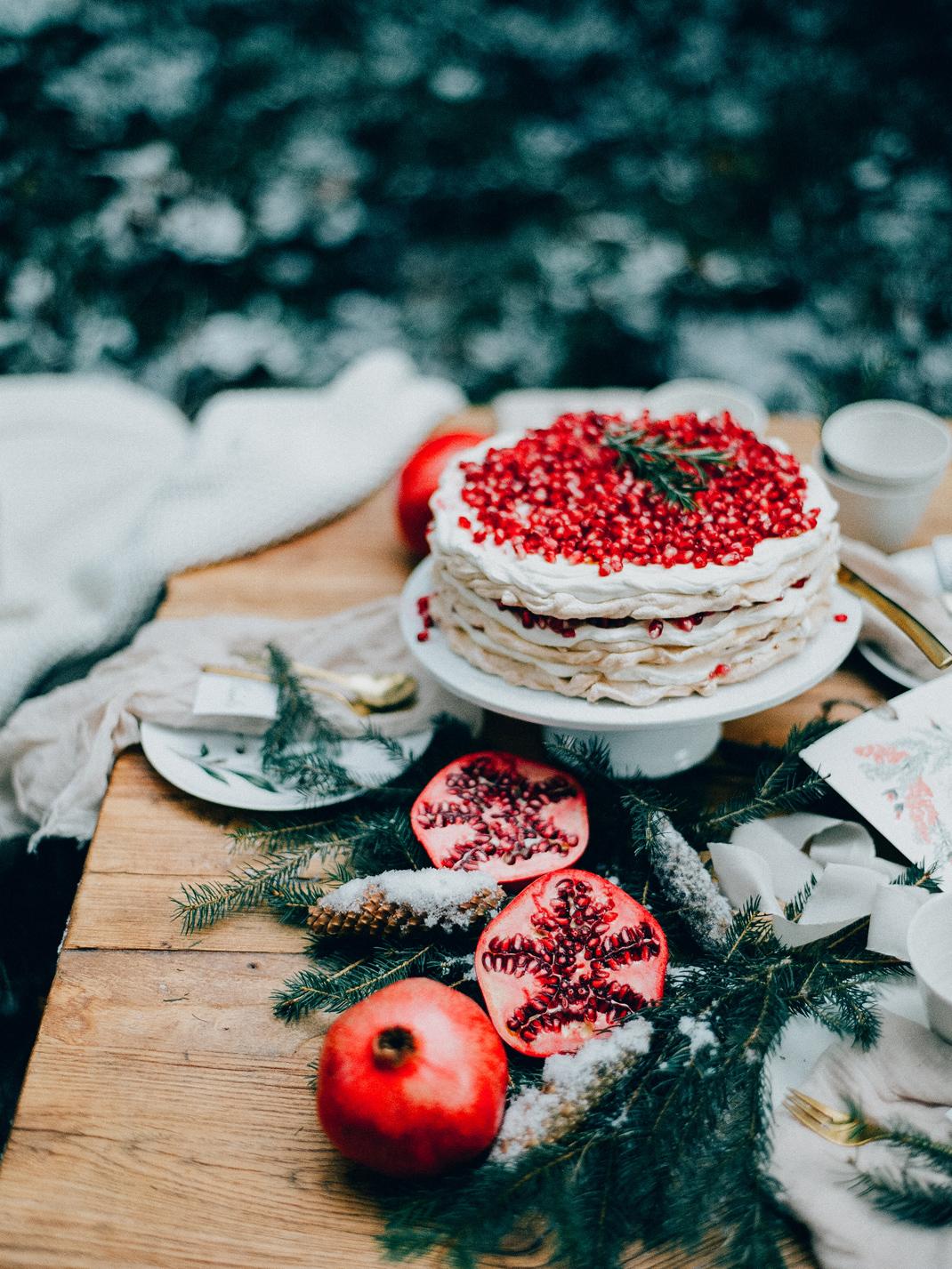 Baiser Torte, Pavlova mit Granatapfelkernen. Silvia Fischer. Echte Kuchenliebe